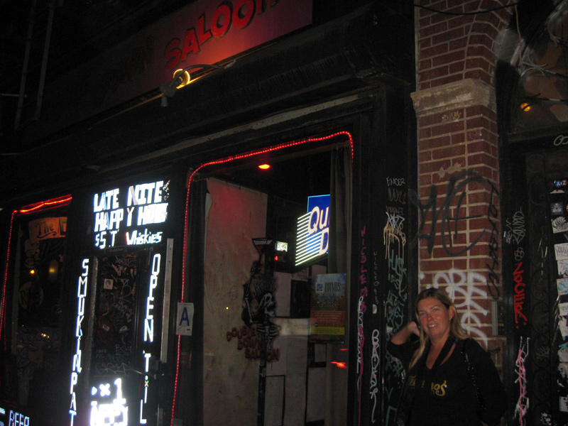 Double-Down-Saloon-outside